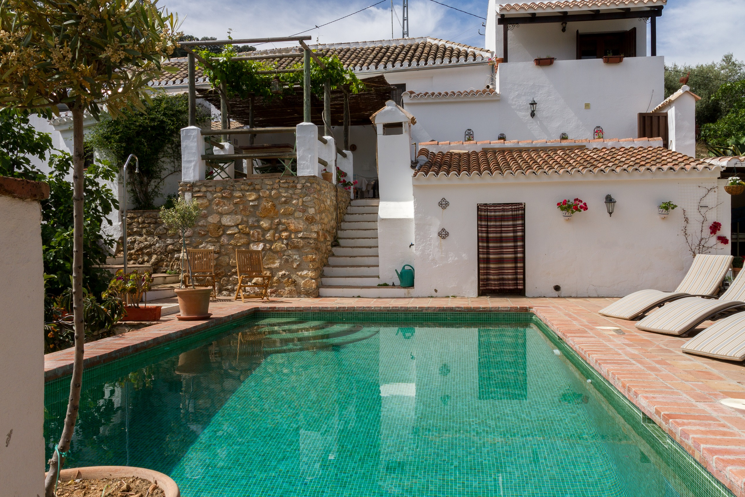charming guesthouse in Iznajar with a pool